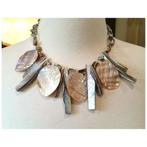 Jewelry - Gorgeous Polished Shell Chunky Couture Necklace